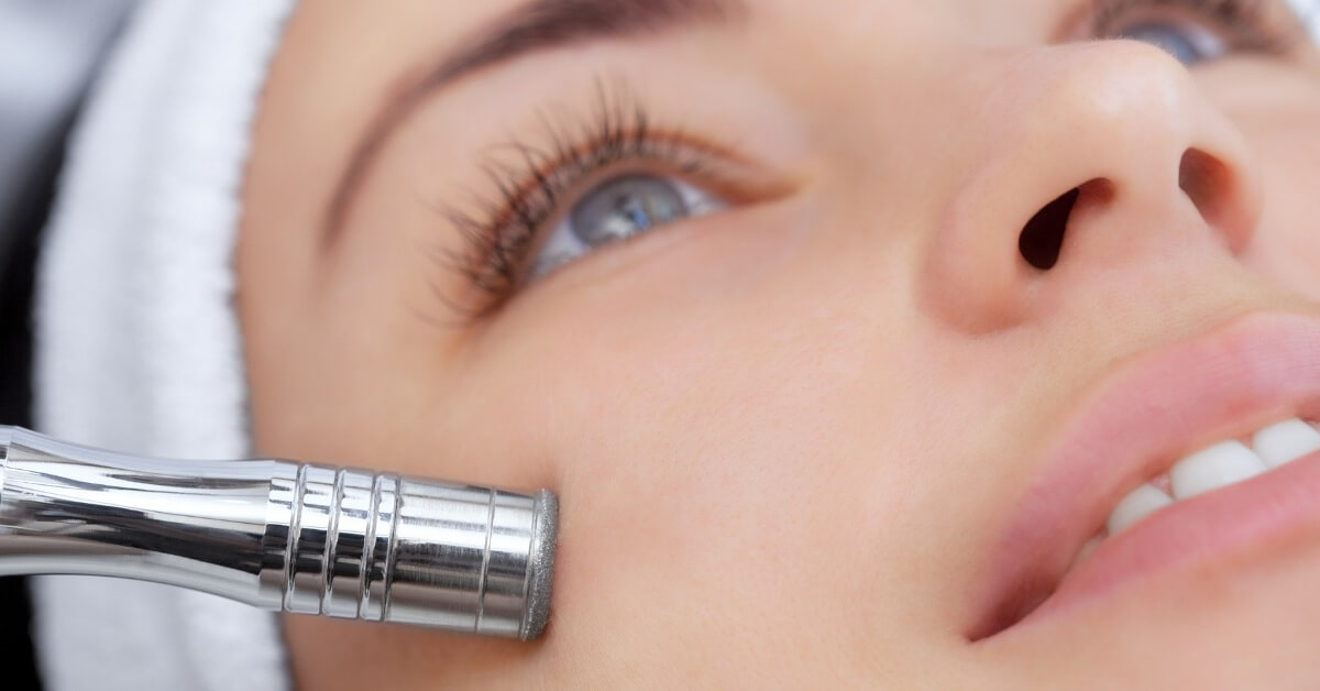 Which is better: crystal, hydro or diamond microdermabrasion? | Australian  Skin Clinics